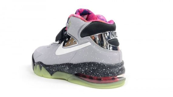 nike-air-force-max-2013-area-72-05-600x337