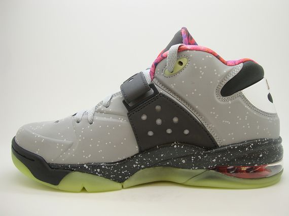 nike-air-force-max-2013-area-72