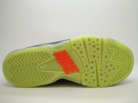 nike-air-force-max-2013-area-72_02