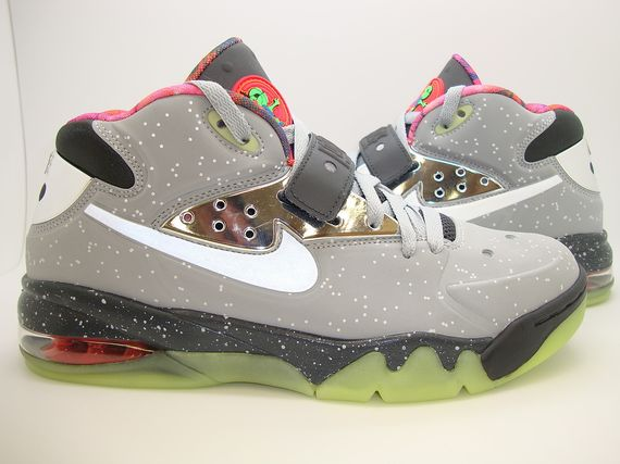 nike-air-force-max-2013-area-72_03