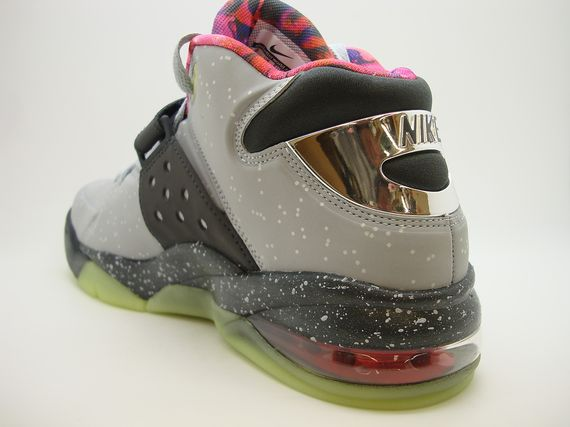 nike-air-force-max-2013-area-72_05