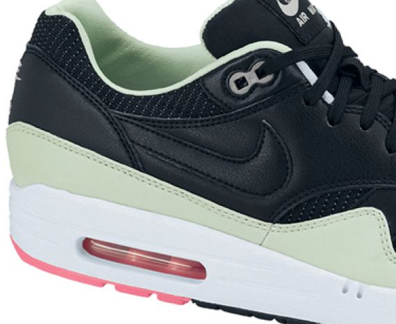 nike-air-max-1-black-mint-pink_02