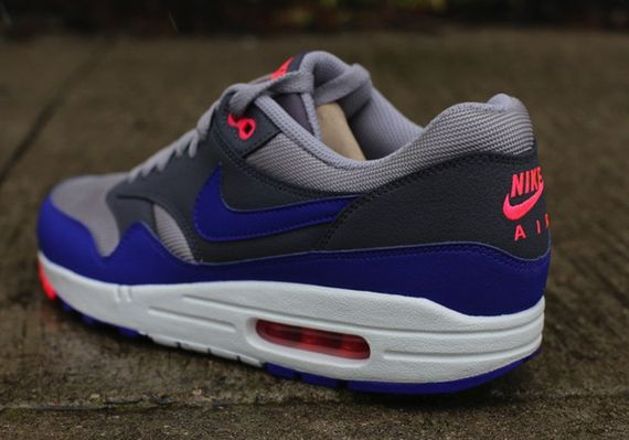 nike-air-max-1-essential_03