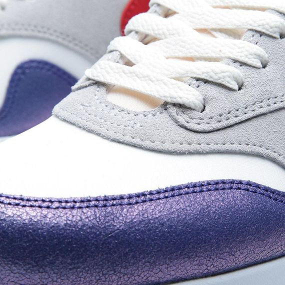 nike-air-max-1-vntg-purple-hyper-red_03