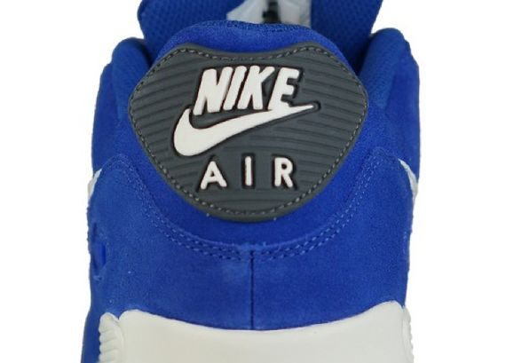 nike-air-max-90-essential-blue-suede_04