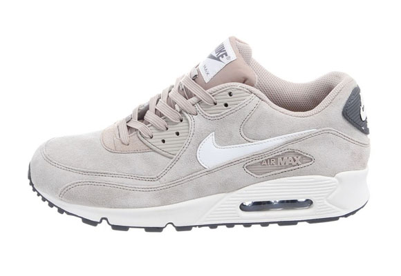 nike-air-max-90-essential-spring-2013-1