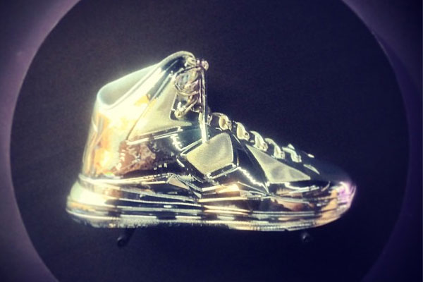 nike-area-72-chrome-collection-00