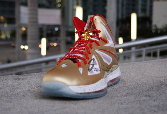 nike-lebron-x-ring-ceremony-3