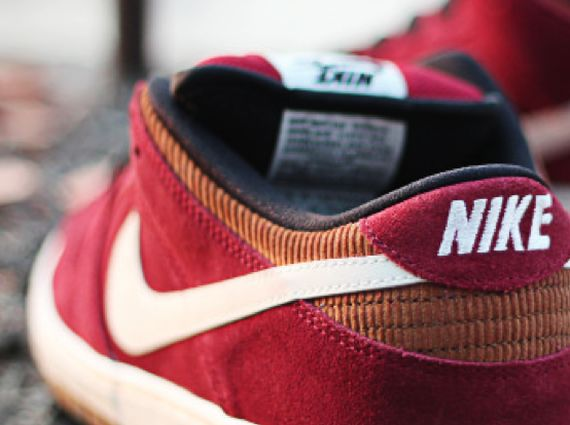 nike-sb-dunk-low-burgundy-cream
