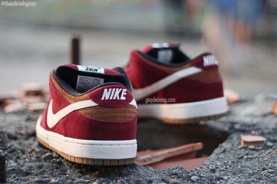 nike-sb-dunk-low-burgundy-cream_02