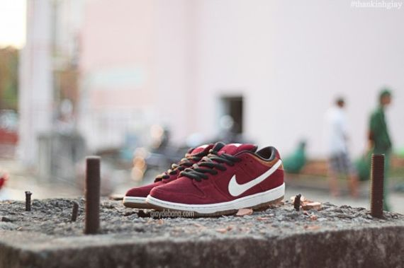 nike-sb-dunk-low-burgundy-cream_03