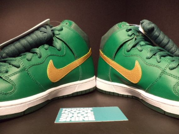 nike-sb-dunk-st-patricks-day-pattys-sample-05-600x450