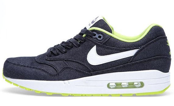 28-02-2013_nike_airmax1denim_black1