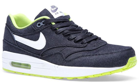 28-02-2013_nike_airmax1denim_black2