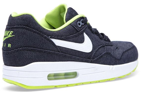 28-02-2013_nike_airmax1denim_black3