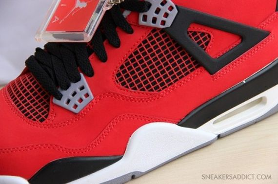 Jordan-4-Fire-Red-Nubuck-04-540x359_result