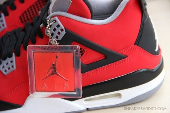 Jordan-4-Fire-Red-Nubuck-05-540x359_result