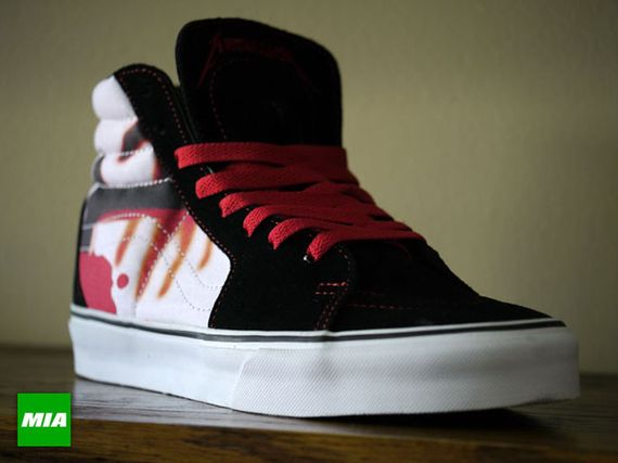 Vans-Metallica-Kill-Em-All-Sk8-Hi-146