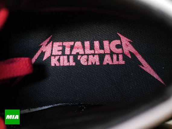 Vans-Metallica-Kill-Em-All-Sk8-Hi-152