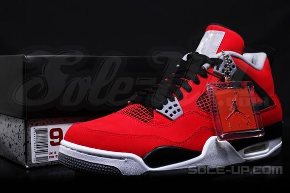 air-jordan-4-retro-fire-red-suede_07