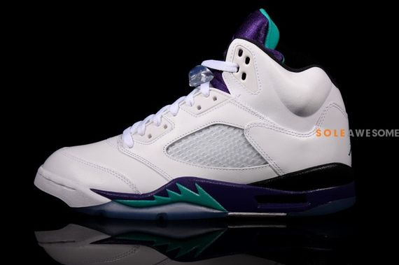 air-jordan-5-grape-retro_02
