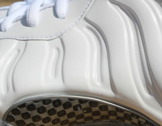 nike-air-foamposite-one-whiteout