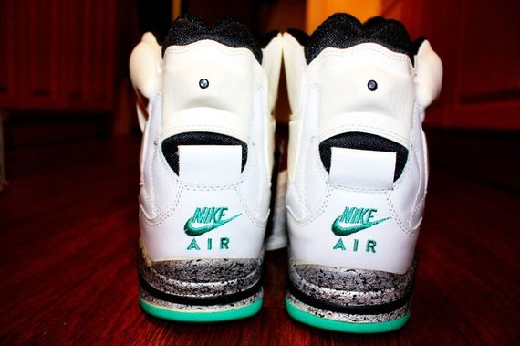 nike-air-force-180-command-force_03