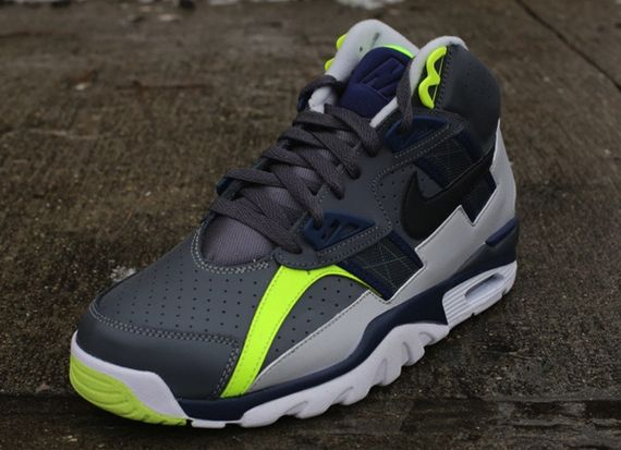 nike-air-trainer-sc-high-blue-volt