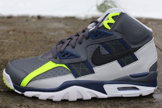 nike-air-trainer-sc-high-blue-volt_03