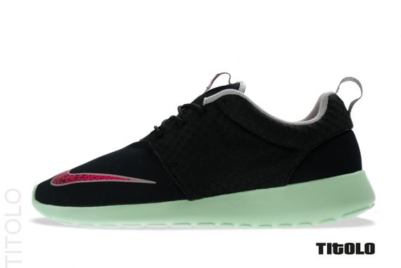 nike-roshe-run-fb-black-pink-mint_04_result