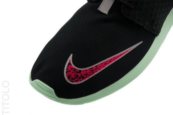 nike-roshe-run-fb-black-pink-mint_result