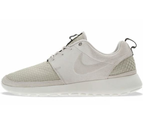 nike-roshe-run-woven-light-bone-01
