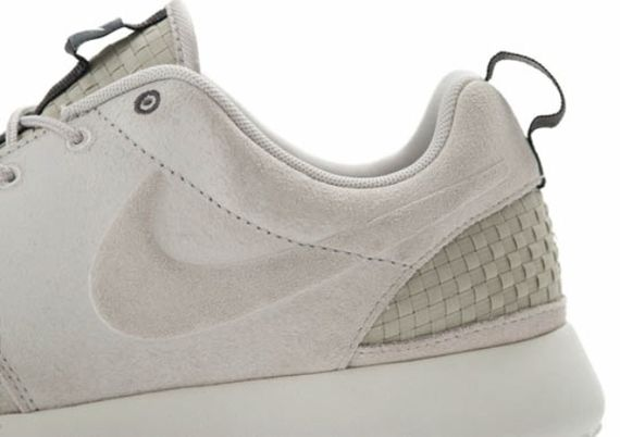 nike-roshe-run-woven-light-bone-02