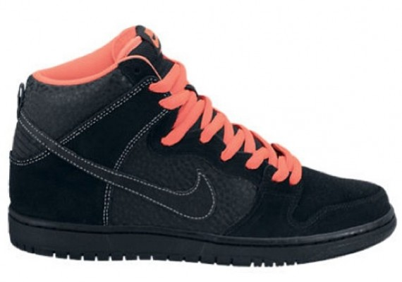 nike-sb-dunk-high-holiday-2013-570x399