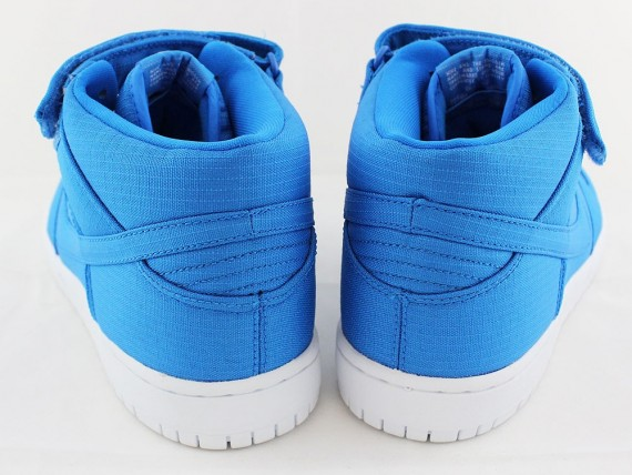 nike-sb-dunk-mid-photo-blue-ripstop-nylon-04-570x428
