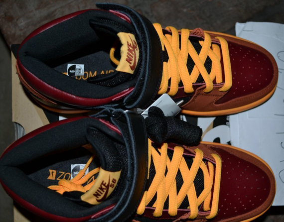 nike-sb-dunk-mid-red-orange-black-ostrich-5
