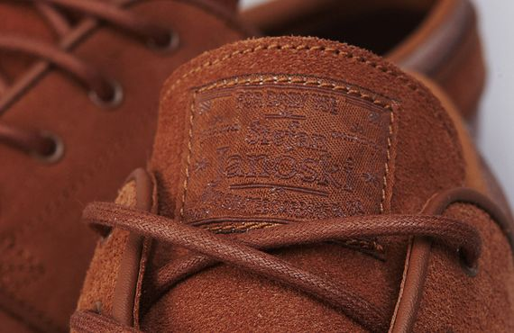 Nike-SB-Janoski-British-Tan-04_result