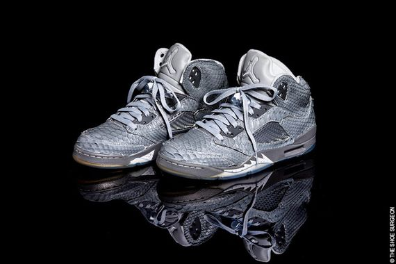Air Jordan 5 Retro Wolf Grey shoes