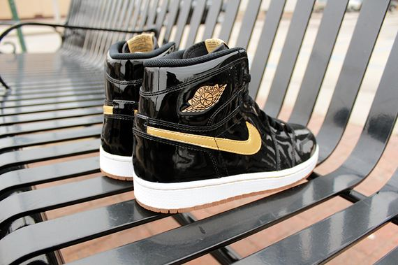air-jordan-1-black-gold_result