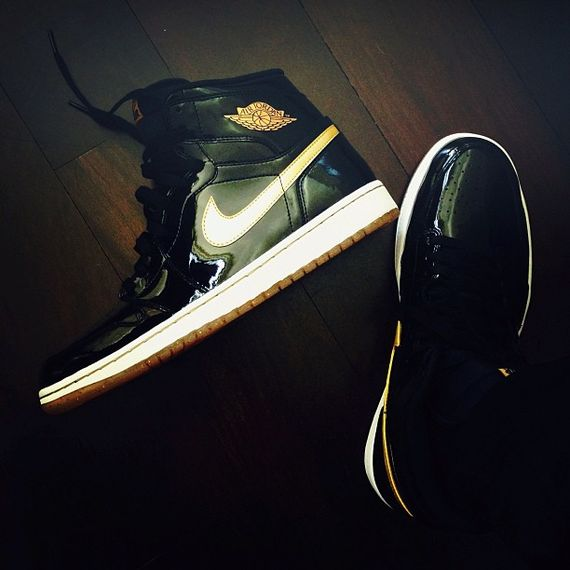 air-jordan-1-high-black-gold_result