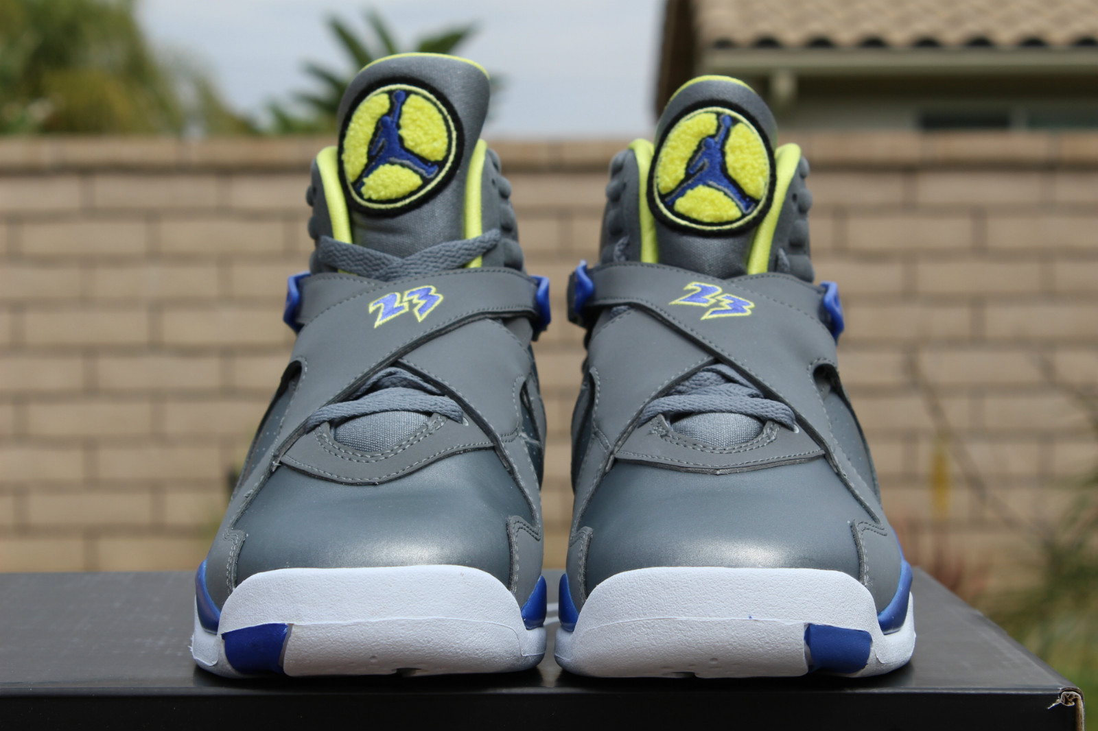 air-jordan-8-laney_04
