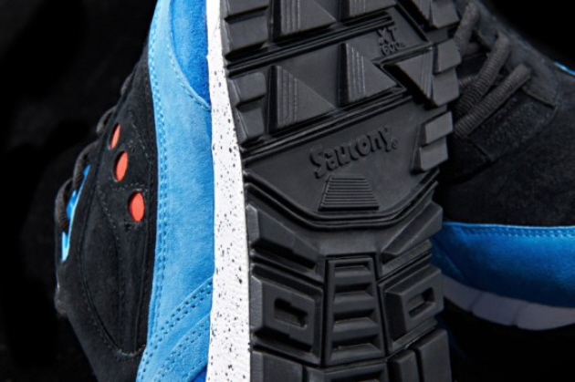 footpatrol-saucony-shadow-6000-only-in-soho-release-info-07-570x379