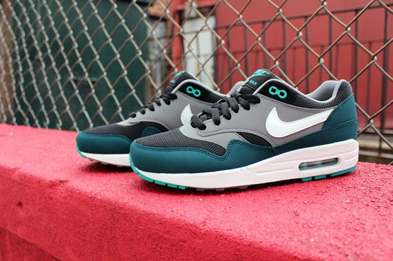 nike-air-max-1-90-turquoise-pack_02