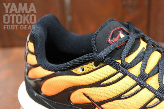 nike-air-max-tuned-1-orange-black_07