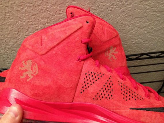 nike-lebron-10-sportswear-pe-red-suede-3-11_result