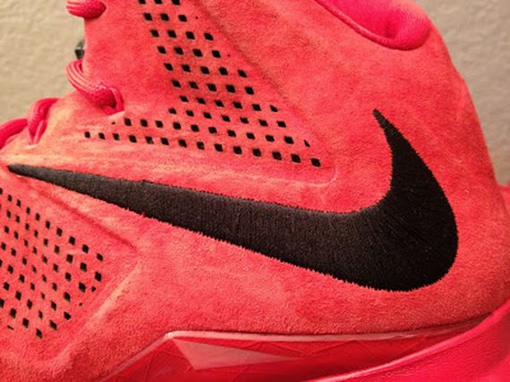 nike-lebron-10-sportswear-pe-red-suede-3-12_result