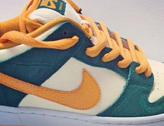 nike-sb-dunk-low-green-orange