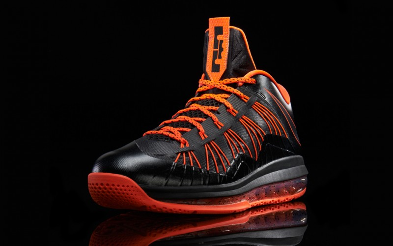 Lebron-34-Profile-Total-Crimson_3337_TWI-800x500