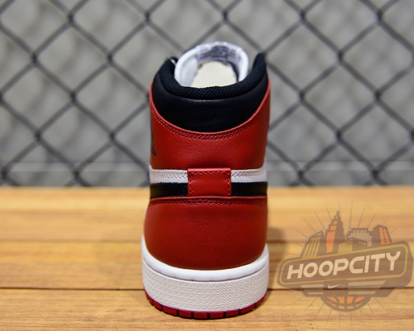 air-jordan-1-og-black-toe-04-600x480