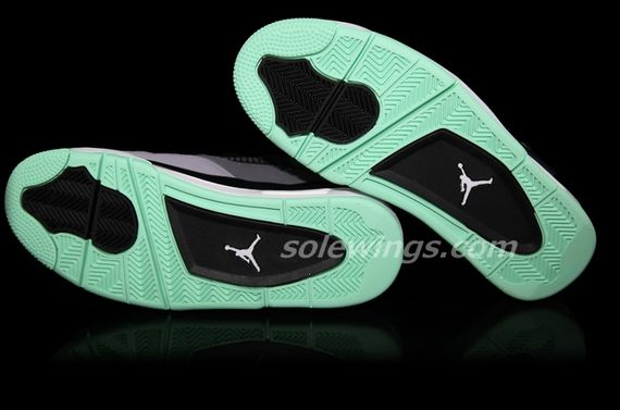air-jordan-4-green-glow_04_result